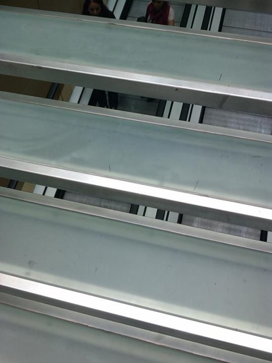 Nové schody v Auparku boli prehľadné, tu sú už od začiatku pre istotu len priesvitné