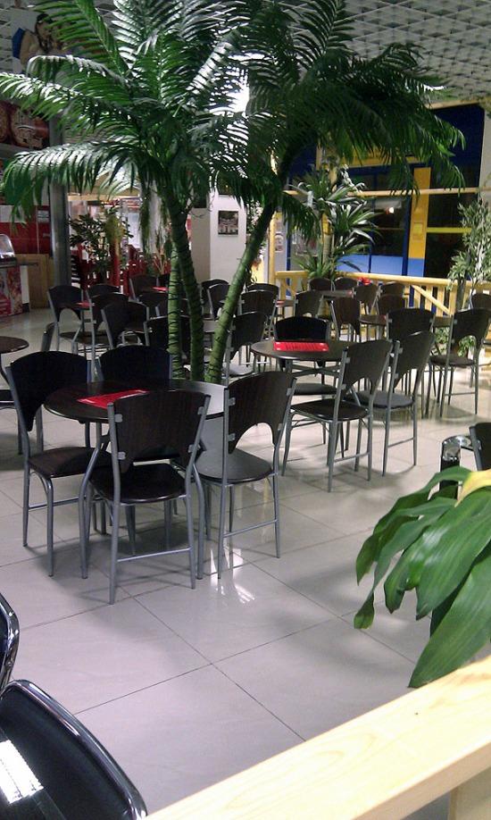 Exotický food-court