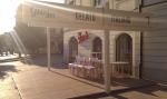 Gio Café dnes ráno pred otvorením. Majú aj raňajkové menu s croissantom. Áno, jeho súčasťou je aj zmrzlina!