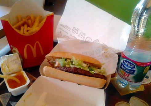 Bon Appétit, hranolčeky a Aquarel v McDonald's